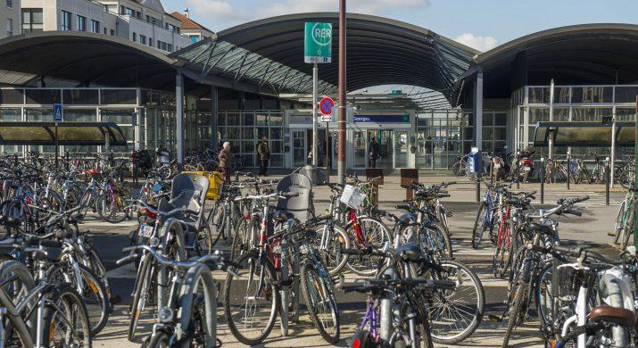 d67c67e6041cc Le RER A à bicyclette / vélo