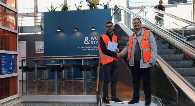 """Grégory et Sébastien ont procédé oficiellement à l'ouverture de l'espace """"Work & station"""" en gare de Houilles, vendredi 15 septembre 2017"""