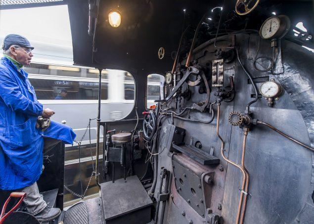 5 Dampflok Servietten Lokomotive Eisenbahn Zug nostalgie 1//4 Serviettentechnik